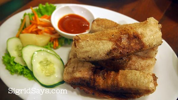 Vietnamese fried egg rolls
