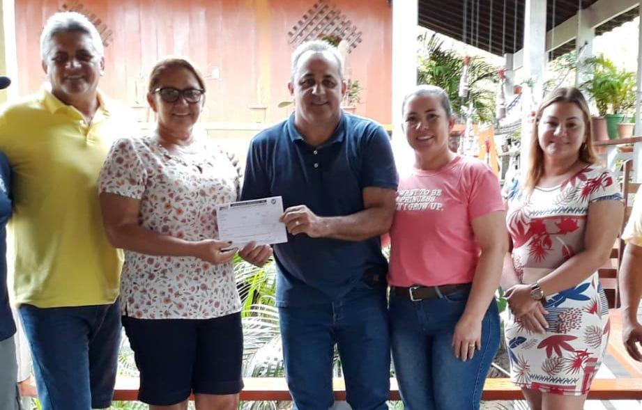 Sem vagas em UTI no Pará, prefeito de Terra Santa é levado a Manaus para tratar covid-19