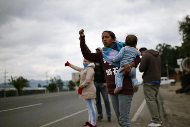 FRONTERA: Migrantes venezolanos regresan a casa desde Colombia en medio de pandemia de coronavirus.