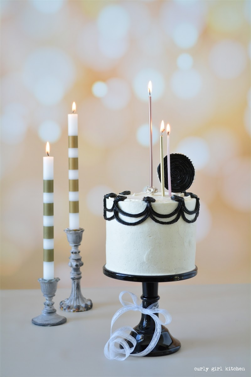 Halloween Cake, Black and White Cake, Cake Decorating, Holiday Cakes, Candle Cake Toppers, Gothic Cake