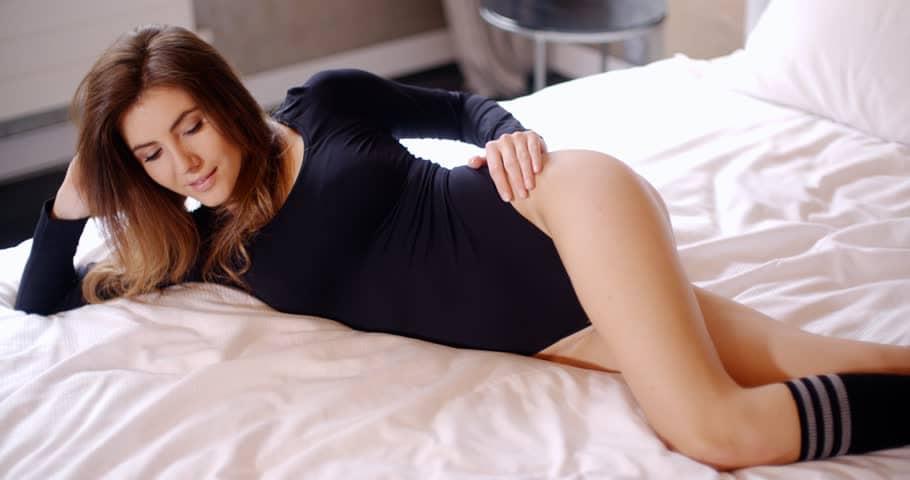 Image result for मोजे पहनकर सेक्स करने से बढ़ता है दोगुना मज़ा