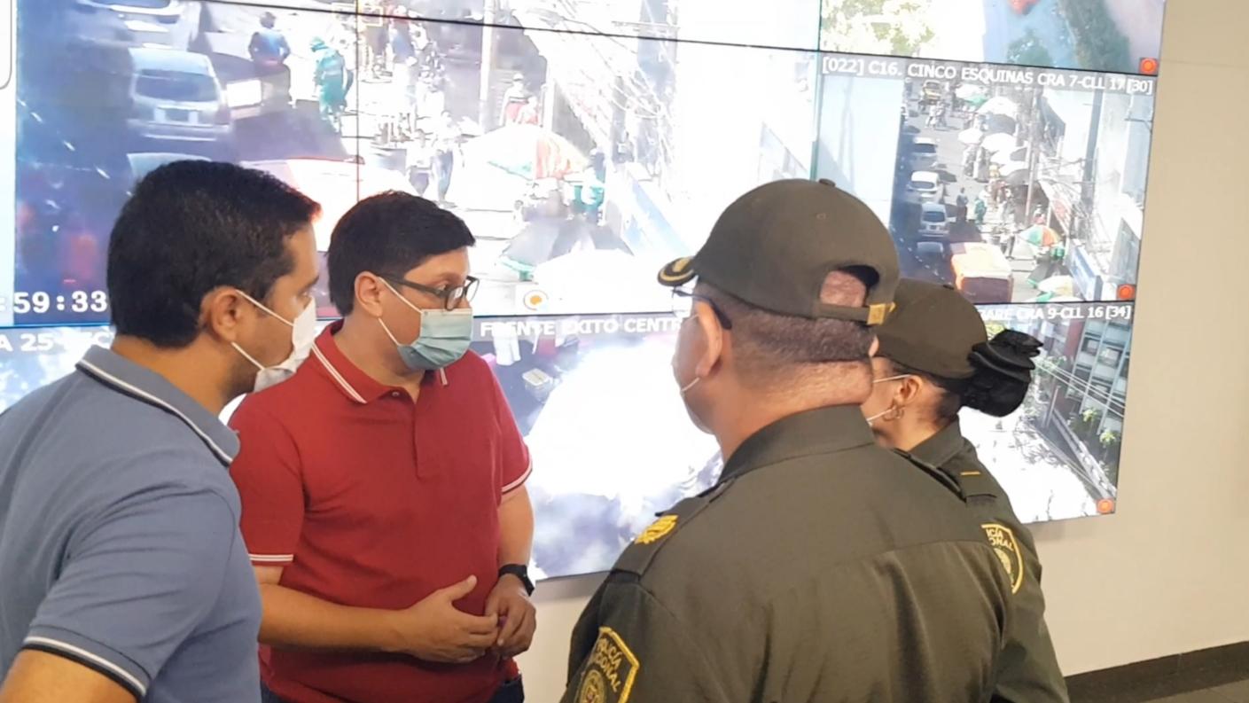 https://www.notasrosas.com/Policía Cesar entrega Balance Navideño, en Valledupar