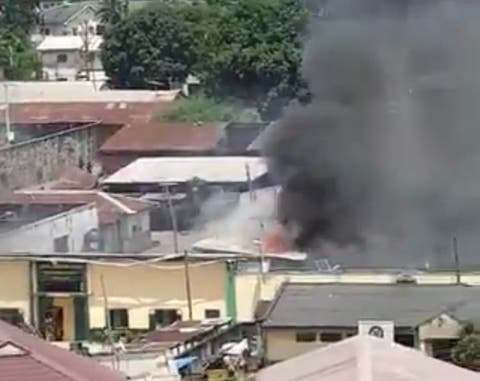 BREAKING: Prison inmates on the run as thugs set Ikoyi correctional centre on fire (VIDEO)