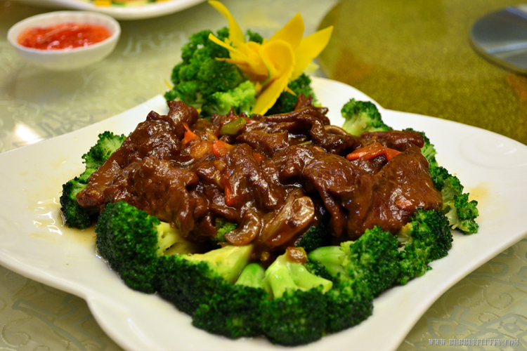 Sliced Beef with Broccoli Flowers