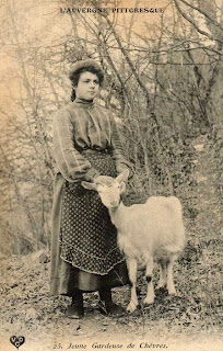 femme Auvergnate, chèvre