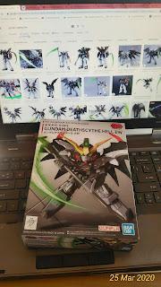 Ukuran Gundam Deathscythe Hell EW (bandai)