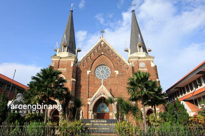 gereja katolik kelahiran santa perawan maria surabaya