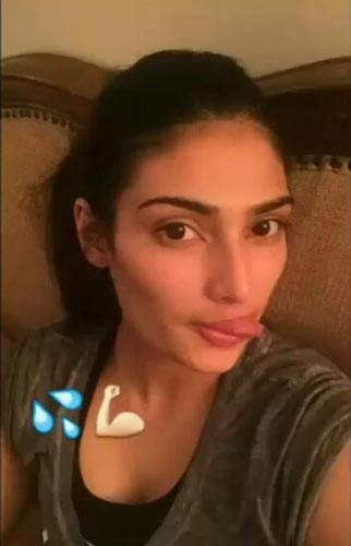 Athiya Shetty on Snapchat photo