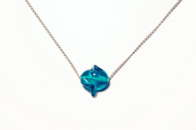 Chipina glass stone necklace