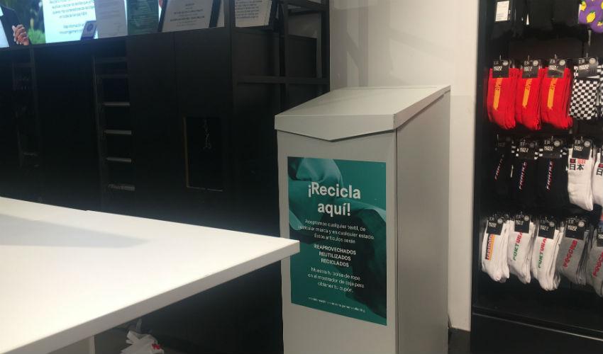 Recicla ropa en H&M de Madrid