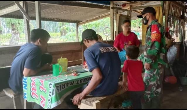 Bersama Warga Laksanakan Komsos Dilakukan Personel Jaajran Kodim 0207/Simalungun Diwilayah Binaan