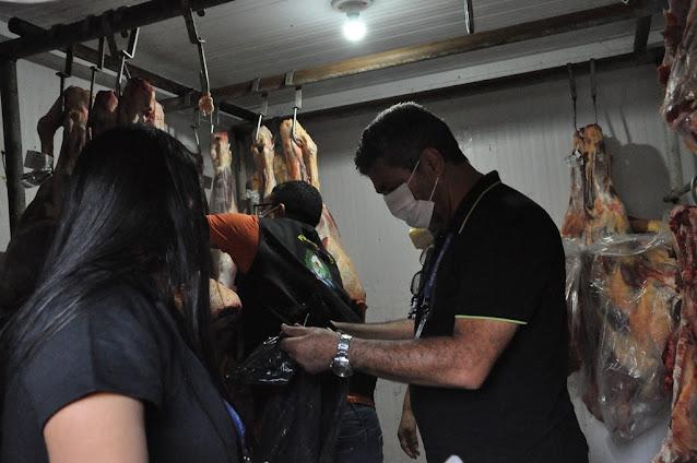 Estabelecimentos comerciais são  notificados por  comércio de carnes clandestinas em Barreiras