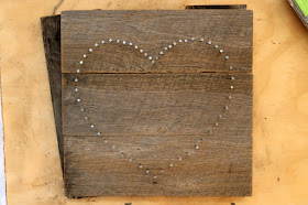 DIY Heart String Art Tutorial - How to Make String Art on Recycled Pallet Wood Boards - Free Printable Heart Template