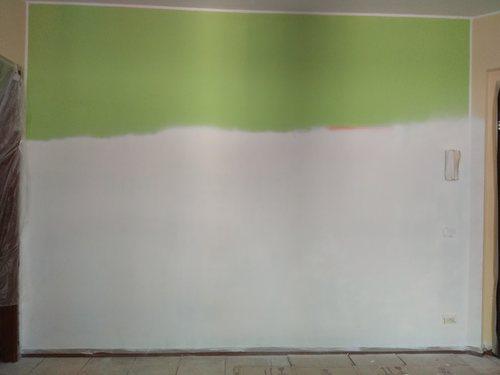 pitturare le pareti con la pistola a spruzzo