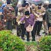 Wako AJB & Jajaran Pemkot Ziarah ke Makam Pendiri Kota Sungai Penuh, H. Fauzi Siin