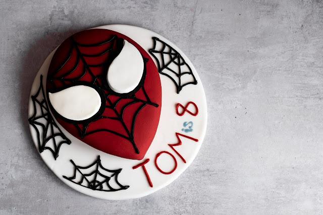 evil spiderman cake