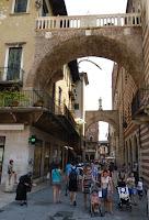 Verona, el Arco de la Costa.