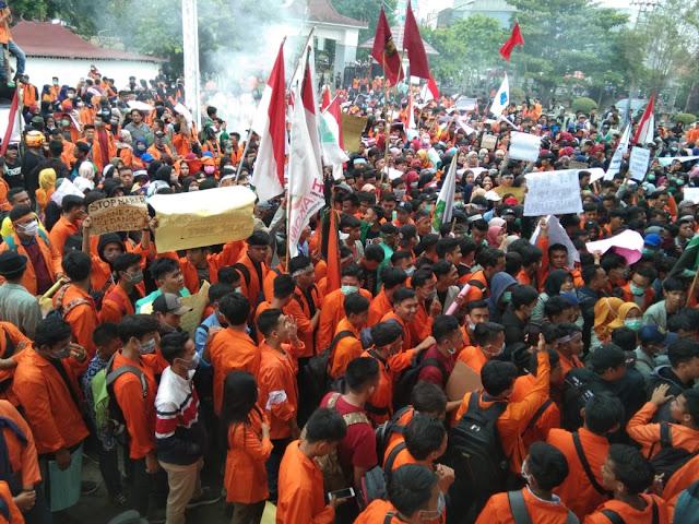 Ribuan Mahasiswa OKU Akhirnya Turun kejalan Menolak RUU KPK, RUU PKS, RKUHP