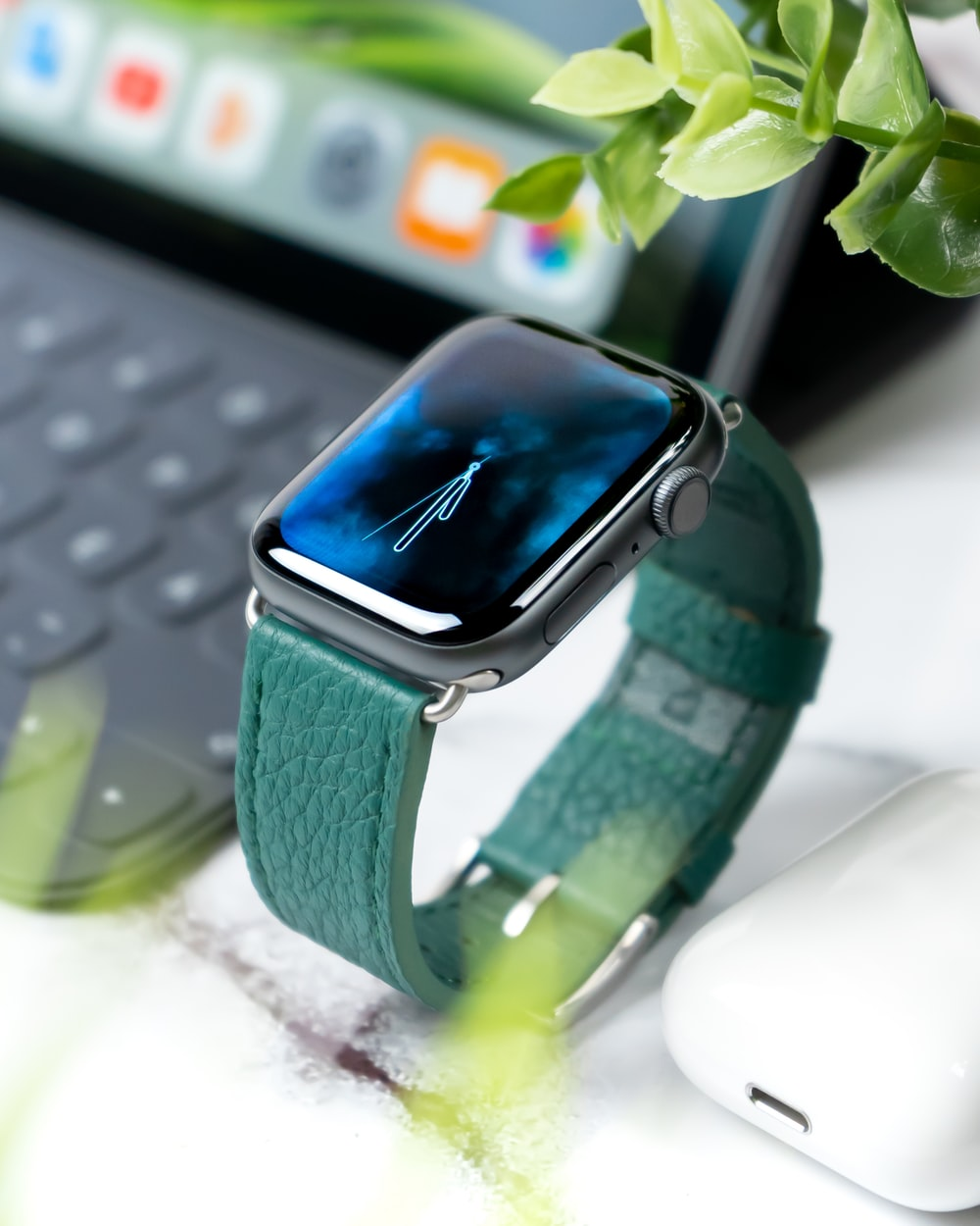 Apple Watch Series 4 HD Pictures
