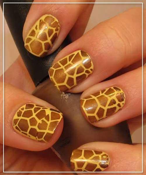 Giraffe Prints Nail Designs