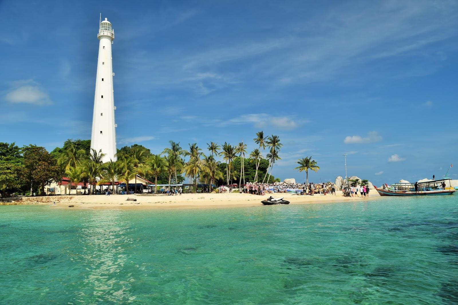 Agung Prasetiyo Mengintip Keindahan Wisata Pulau Lengkuas
