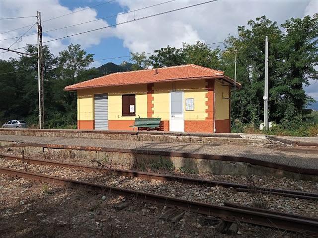 stazione di campi lungo la genova casella