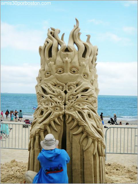 """Festival Internacional de Esculturas de Arena de Revere: """"The Tormented"""""""