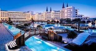 فنادق اسطنبول تبدأ في استقبال العملاء