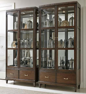 Baers Beverly Glen Display Cabinet with Mirrored Back