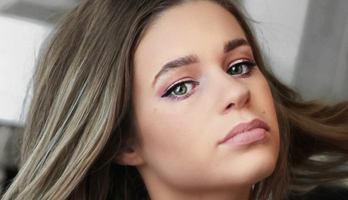 To kick off the first one, I'm going to be sharing a little makeup tutorial I filmed for you last week, featuring a super pretty pinky, lavender, smokey eye ...