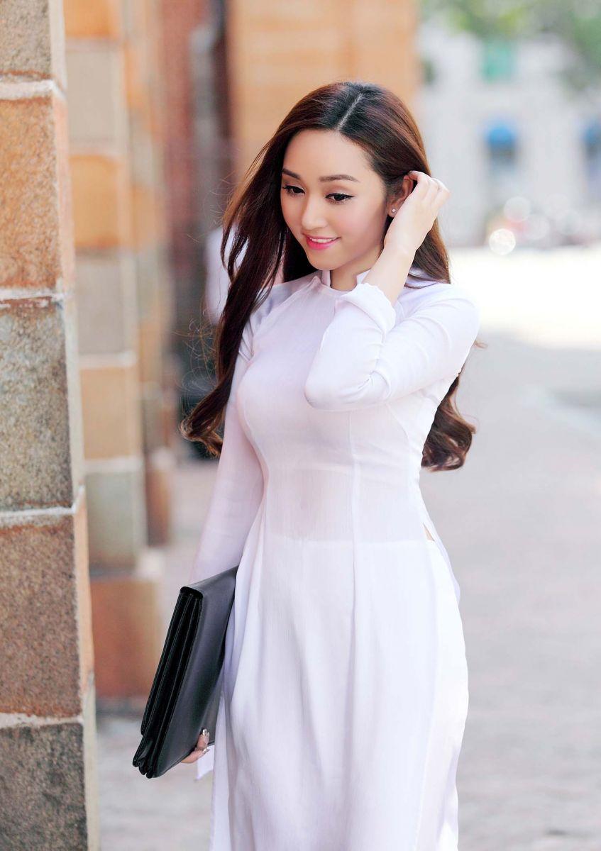 Say đắm cùng các 'mỹ nữ' áo dài trắng có làm cho anh thêm lo lắng