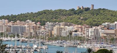 GRAN turismo VIAJA por TODO el MUNDO disfrutando de una de las islas más importantes de Europa