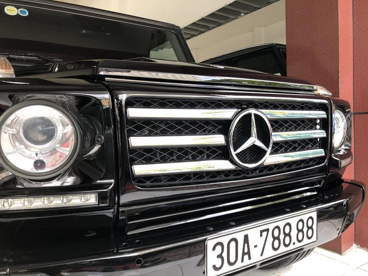 Hàng hiếm Mercedes-Benz G55 AMG biển số tứ quý 8 của Hà Nội nằm trong showroom xe sang có tiếng tại Sài Gòn