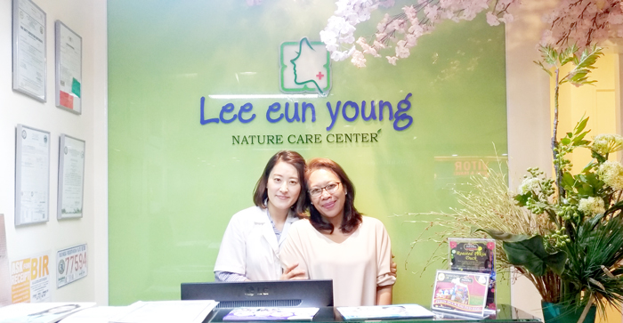 With Lee Eun Young's Manager, Ms. Eileen Min