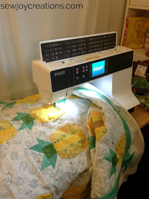 pfaff creative 3.0 mini pineapple quilt