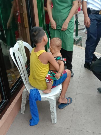 Magkapatid, Di Na Binalikan Ng Kanilang Ina Matapos Lang 'Bumili Ng Payong'