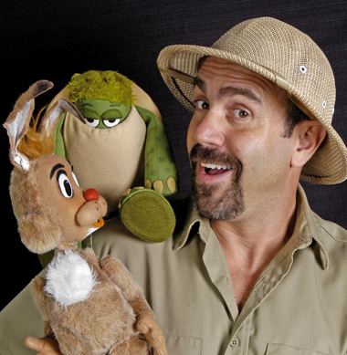 photo of Lee Bryan with puppet