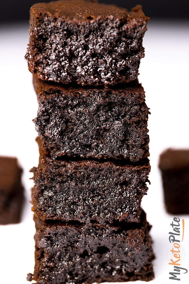 The Best Fudgy Keto Brownies #keto #whole30 #dessert #cake #easy
