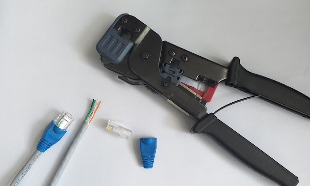 Cara Crimping Kabel UTP ke RJ-45 Straight dan Cross