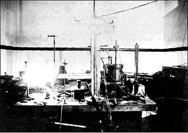 physical-constant-electric-charge-oil-drop-experiment