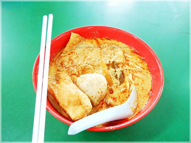 curry mee at Jiang Kang Seafood Restaurant Kuantan, Malaysia