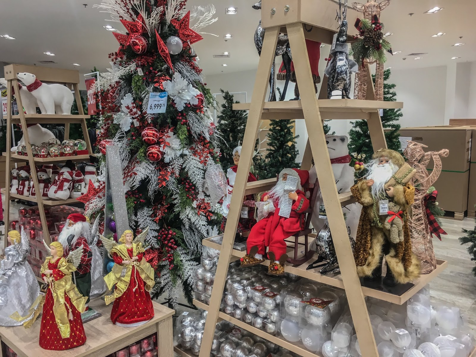 The Metro Stores PRe Christmas Sale Home Decor