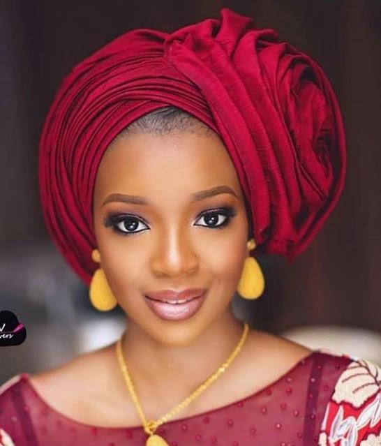 Mode, foulard, gele, mousor, écharpe, turbans, tie, nigérian, africain, fête, tête, accessoire, élégance, femme, noire, mariage, LEUKSENEGAL, Dakar, Sénégal, Afrique