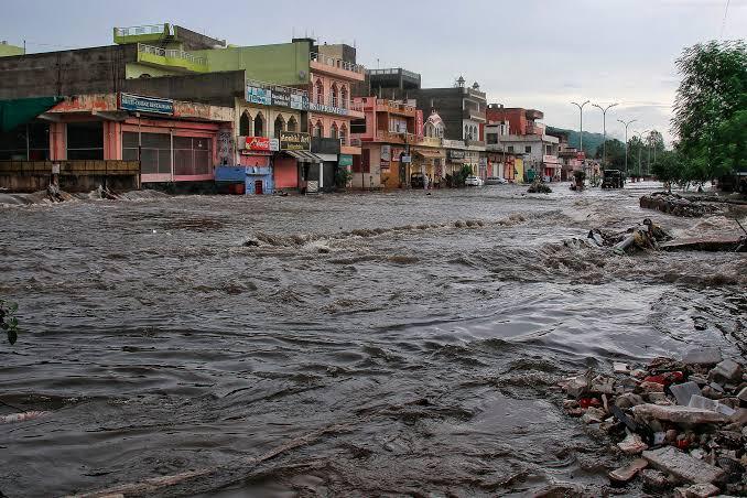 देखिए बारिश रुकने के बाद जयपुर में क्या हुआ,See what happened in Jaipur after the rain stopped.