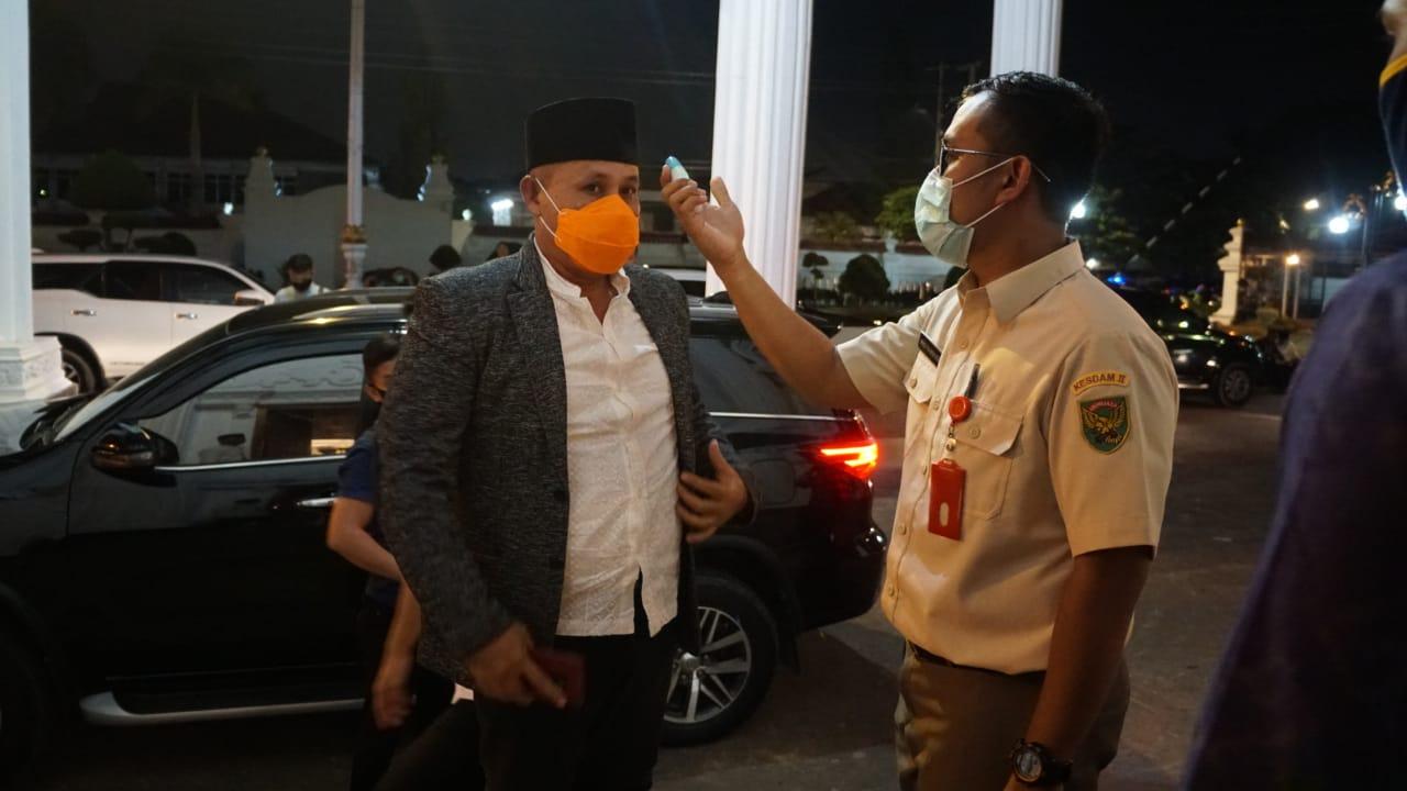 H. Nanang Ermanto (Bupati Lampung Selatan) menghadiri Pengajian dan Syukuran Serta Pemberian Bantuan Kepada Hafizh dan Hafizah