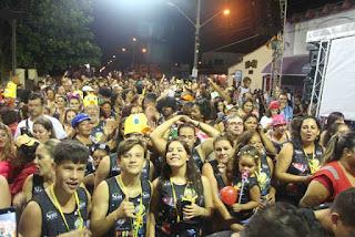 Blocos, Escola Gaviões da Fiel, Bonecões , Shows e Corte  fizeram a festa do Carnaval 2019 da Ilha Comprida