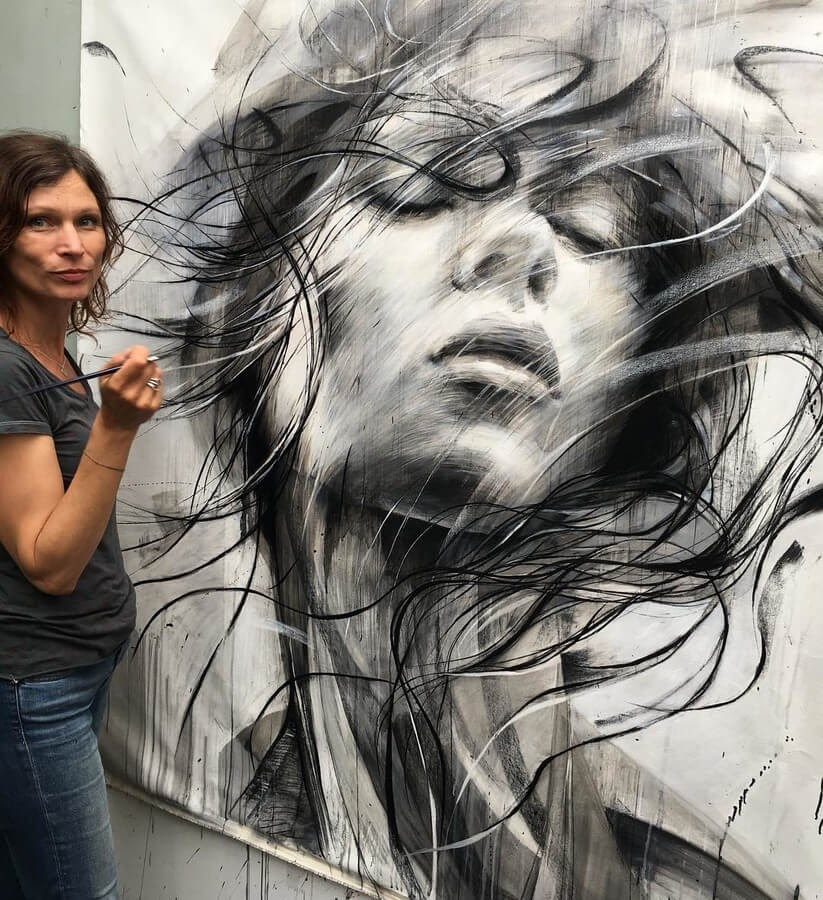 01-Large-Format-Oil-Paintings-and-Charcoal-Drawings-www-designstack-co