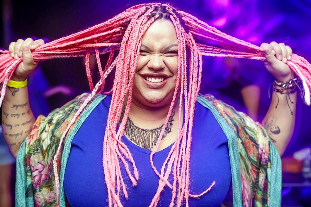 ... que impressiona pela potência, Marcelle Motta é um destaque da nova  geração de artistas da música popular brasileira. No repertório, a cantora  aposta na ... e6681d0252