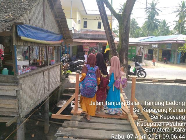 Bina Kekompakan, Personel Jajaran Kodim 0208/Asahan Dengan Melalui Gotong Royong