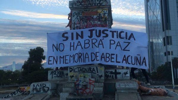 Carabineros será demandado por impedir ayuda a manifestante muerto